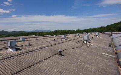 Instalación climatización evaporativa en industria de fabricación y logistica.